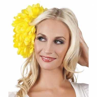 Gele flamenco haarbloem carnavalskleding valkenswaard