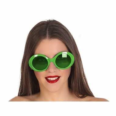 Groene ronde verkleed zonnebril carnavalskleding valkenswaard