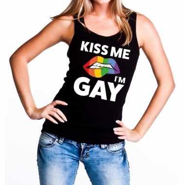 Kiss me i am gay tanktop / mouwloos shirt zwart dames carnavalskledin