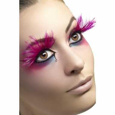 Roze veren nepwimpers carnavalskleding valkenswaard