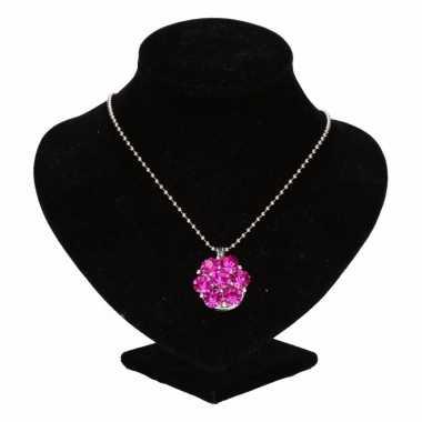 Zilveren ketting roze steentjes drukknoop carnavalskleding valkenswaa