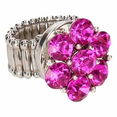 Zilveren ring roze steentjes drukknoop carnavalskleding valkenswaard