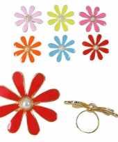 Ring een gekleurd bloemetje