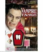 Stuks vampier snijtanden