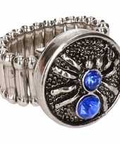 Zilveren ring blauwe spin drukknoop