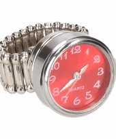 Zilveren ring rode kllok drukknoop